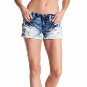 Miss Me SOLD OUT Denim Cutoff Star Shorts Size 27